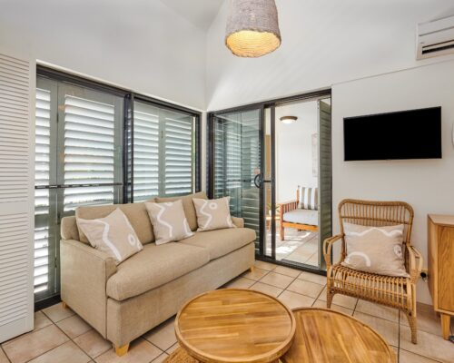 Julians-Byron-Bay-Holiday-Apartments-8 (4)