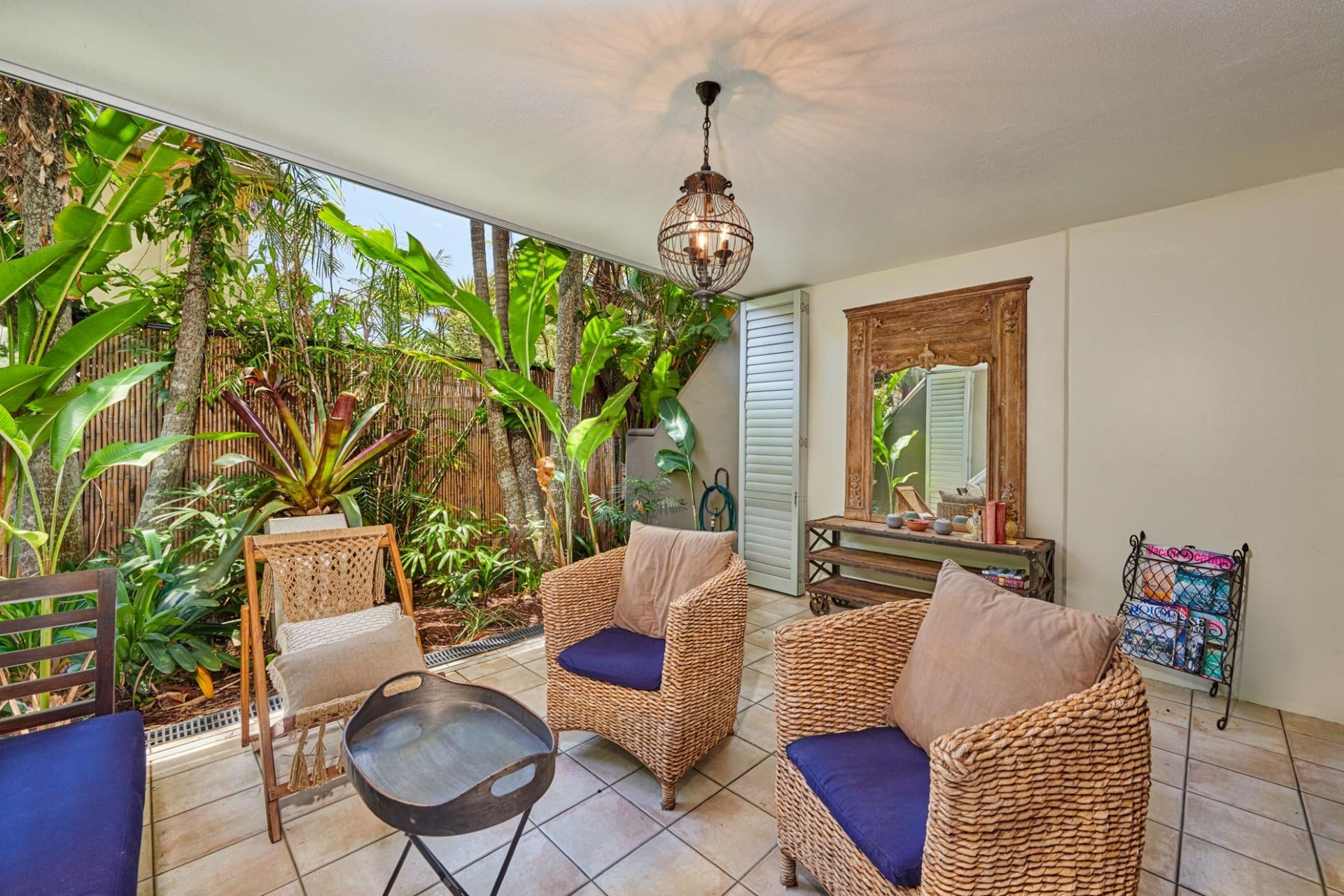 Julians Apartments | Byron Bay Accommodation